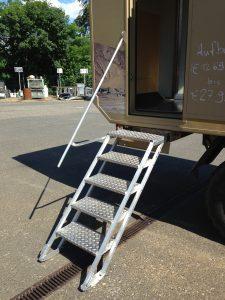 Kassettentreppe mit Geländer